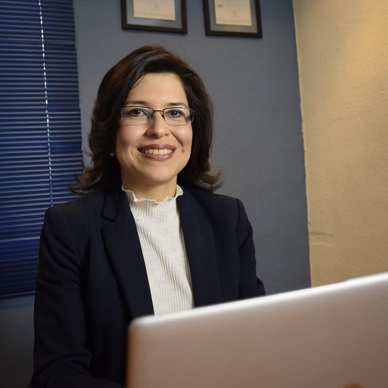 Lic. Monica Henriquez, Consultora Lopez Henriquez